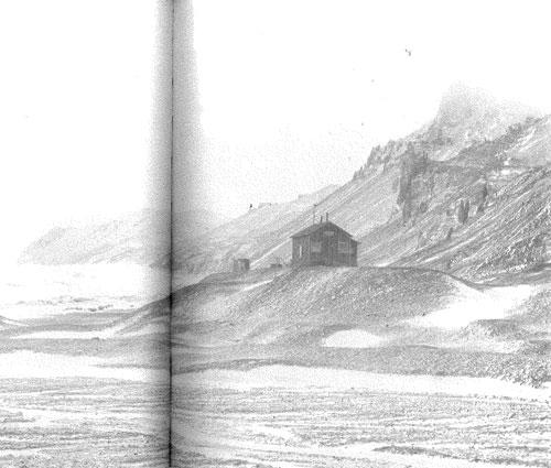 hut_snowhill